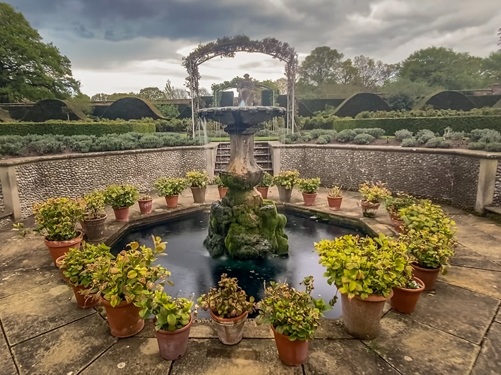 fountain in the walled garden at houghton hall