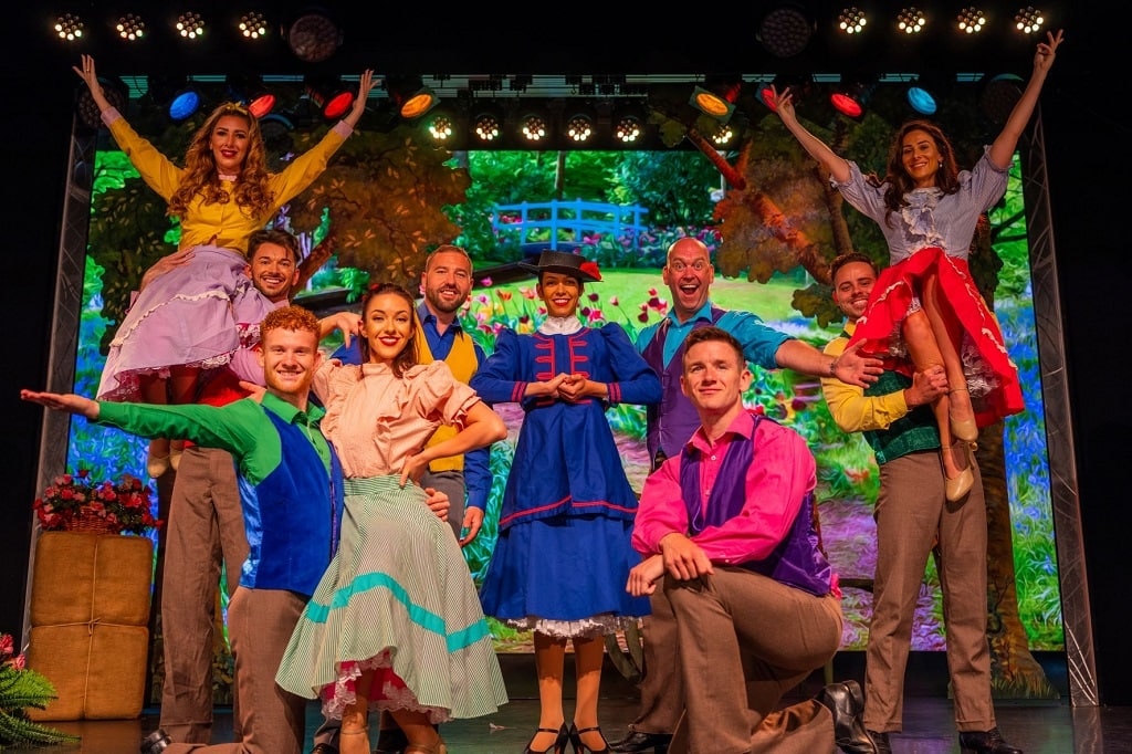 cast of the cromer pier show at the end of Mary poppins medley
