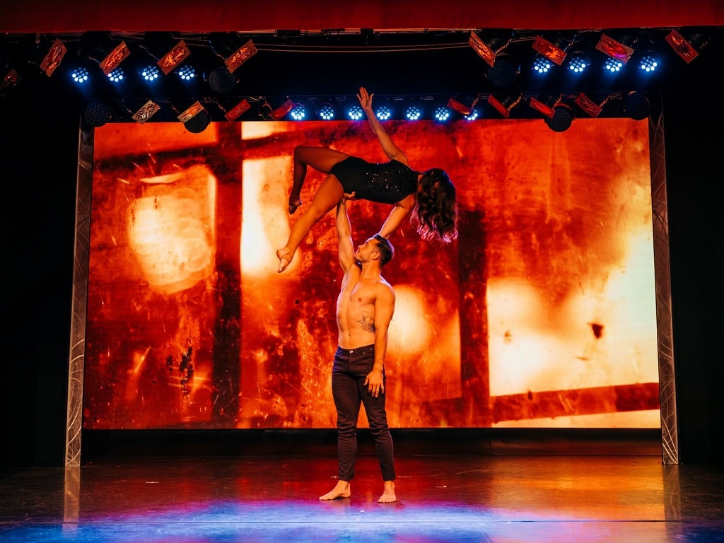 duo fusion performing acrobatics at the Cromer Pier Show